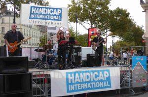 Concert pour Handicap International joué par GLASNOZT, montage BNM Prod